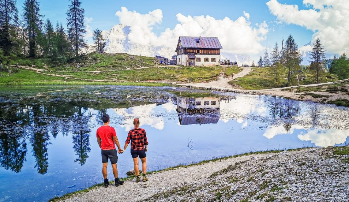 Hike to the Croda da Lago hut and Lake Federa